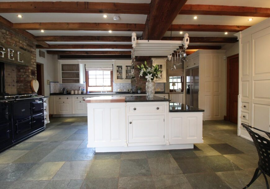 Approved Used Kitchen, LARGE Smallbone of Devizes Provence, North Yorkshire