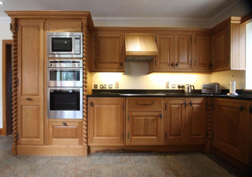 Approved Used Kitchen, Barley Twist Traditional In Frame, Surrey