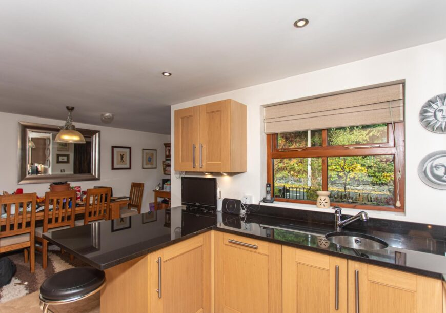 Approved Used Kitchen, Classic Shaker, West Yorkshire – Reduced