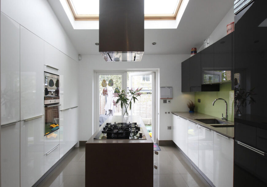 Approved Used Kitchen, Contemporary High-Gloss, Siemens Appliances, London