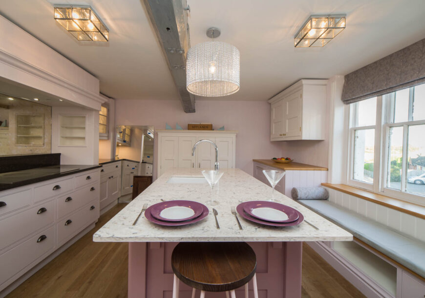 Ex Display Kitchen, Large Bespoke Handcrafted Shaker, Siemens Appliances, South