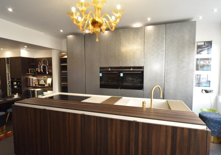 Ex Display Kitchen, Modern Handleless with Island, South