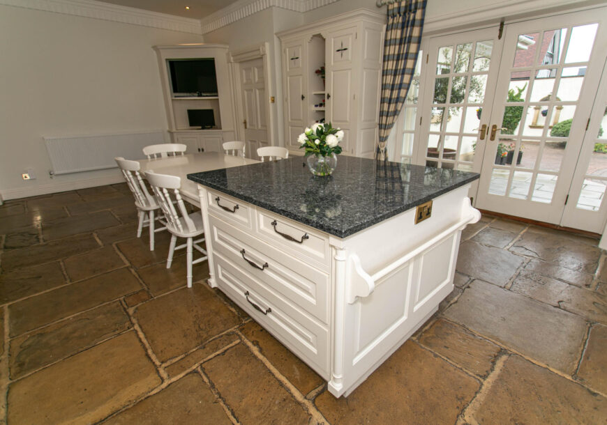 Approved Used Kitchen, Bespoke In-frame Shaker, Yorkshire