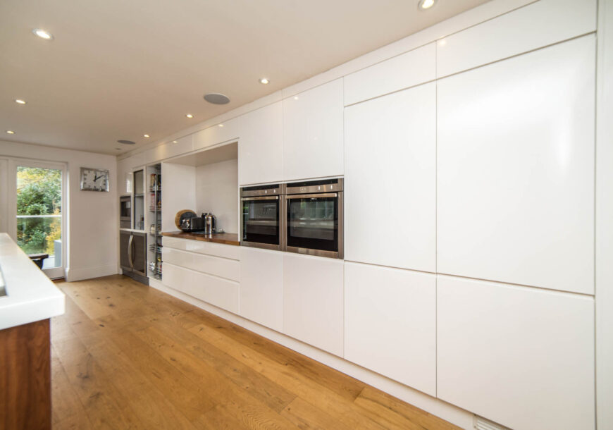 Approved Used Kitchen, Large Contemporary Handleless, Bedfordshire