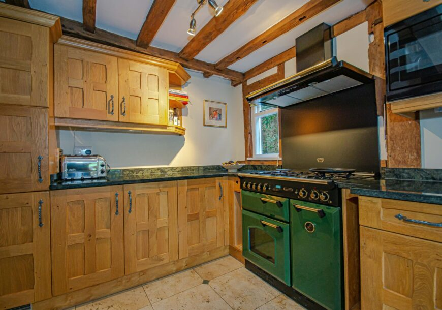 Approved Used Kitchen, Stoneham Classic, Dresser, Leisure Range Cooker, Sussex