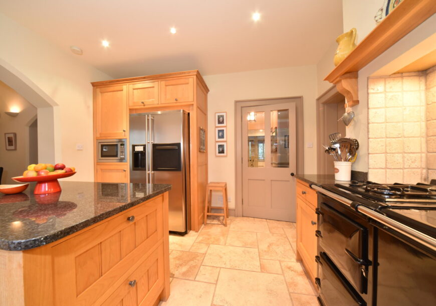 Approved Used Kitchen, Bespoke In Frame Shaker, Oxfordshire