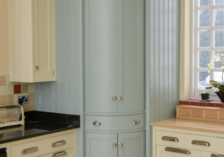 Approved Used Kitchen, Large Mark Wilkinson New England, West Midlands