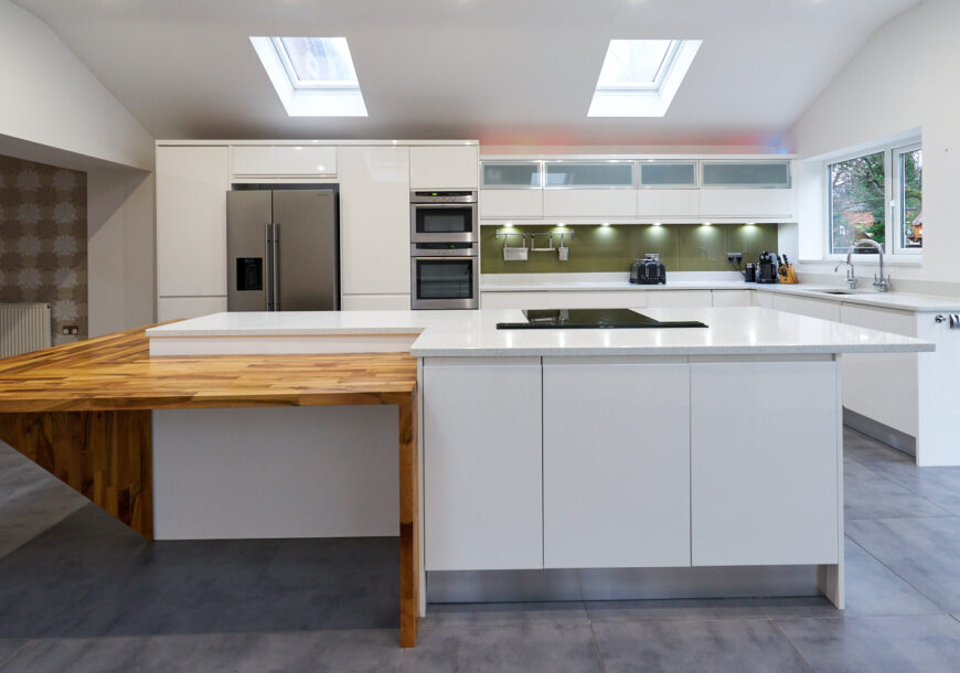 Approved Used Kitchen, Very Large Modern Gloss, NEFF/CDA Appliances, Manchester