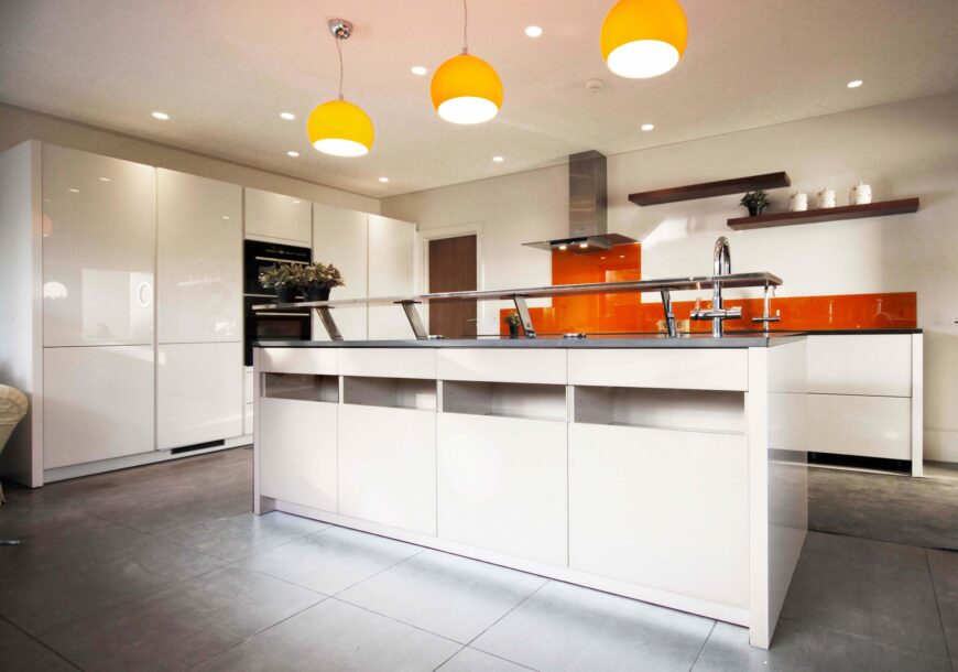 Approved Used Kitchen, Alno Modern Handleless, Siemens Appliances, Surrey