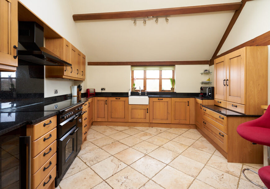 Approved Used Kitchen, Classic Shaker with Rangemaster, Cheshire