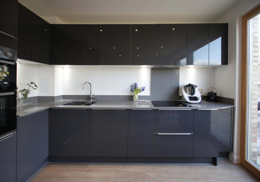 Only 2 Months of Use. Approved Used Kitchen, Symphony Modern Gloss, London