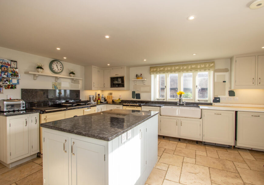 Approved Used Kitchen, Optiplan In-frame Shaker, Hampshire