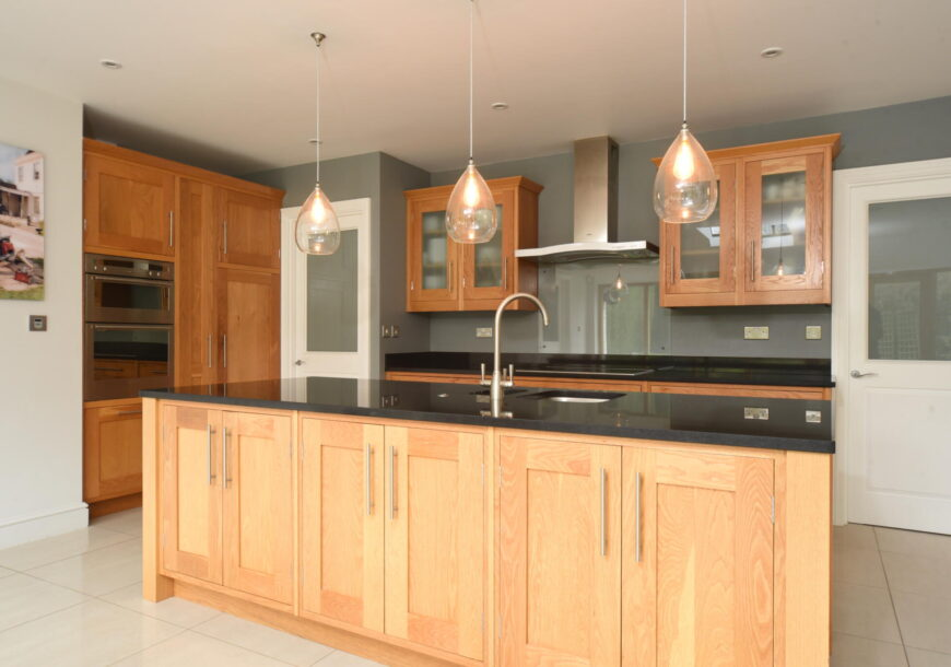 Approved Used Kitchen, Simon Taylor Classic Shaker, Buckinghamshire