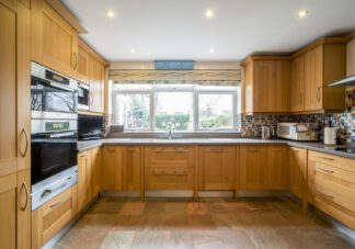 Approved Used Kitchen, Classic Shaker, Miele Appliances, Midlands (28)