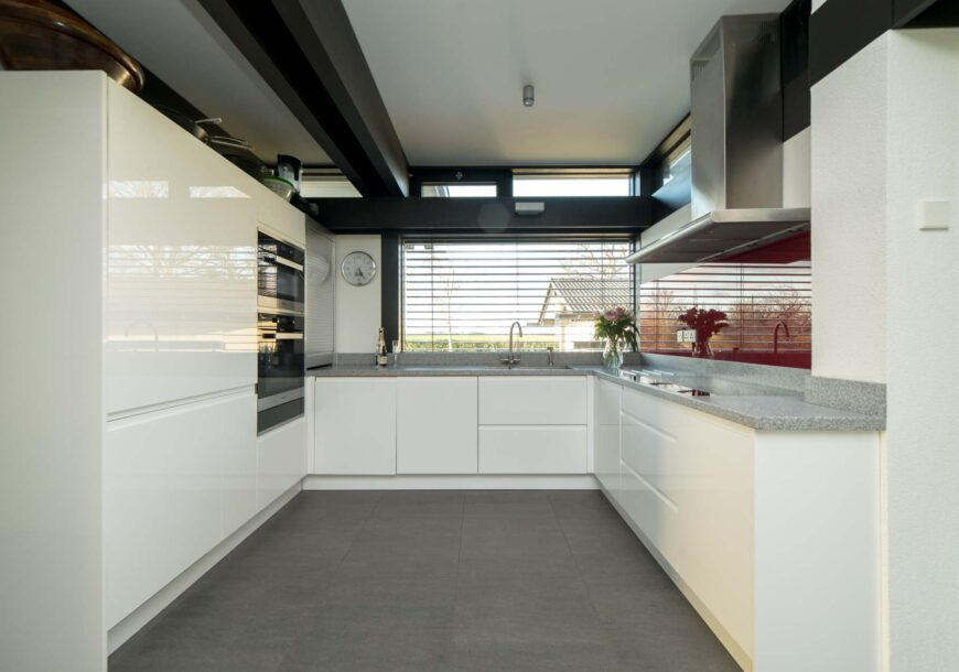 Approved Used Kitchen, Modern Gloss, Miele Appliances, Hertfordshire