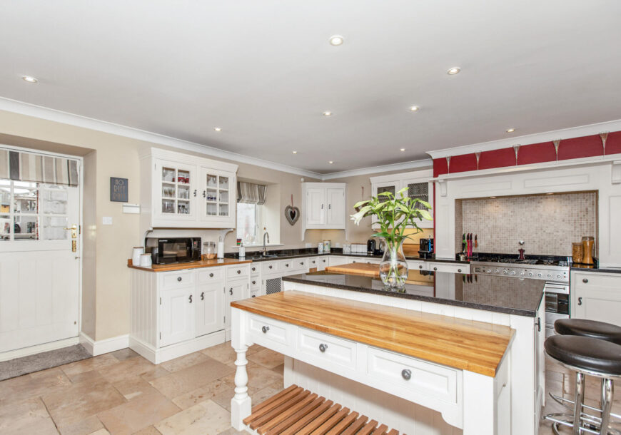 Approved Used Kitchen, Jeremey Wood Painted In-frame, Britannia Range Cooker, North Yorkshire
