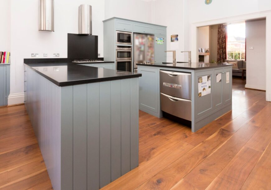 Approved Used Kitchen, In-frame Painted Shaker, York (73)