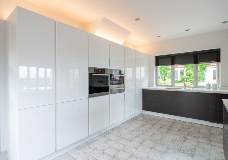 Approved Used Kitchen, Cesar (Italian) Gloss Handleless, East Midlands