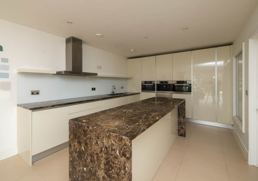 Approved Used Kitchen, Modern Handleless, Miele Appliances, London