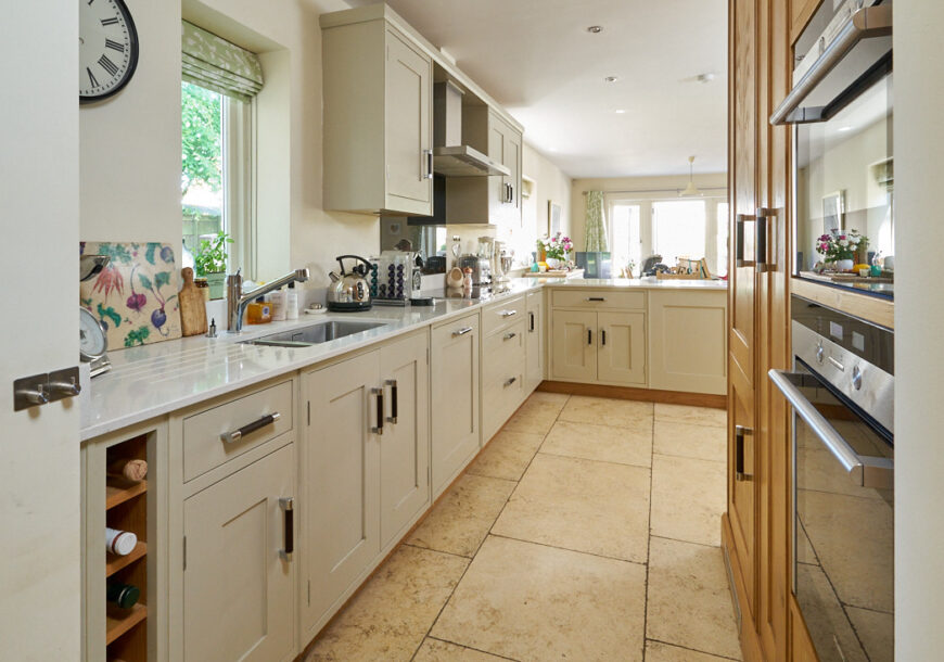 Approved Used Kitchen , Clarity Arts In Frame, Siemens Appliances, West Yorkshire