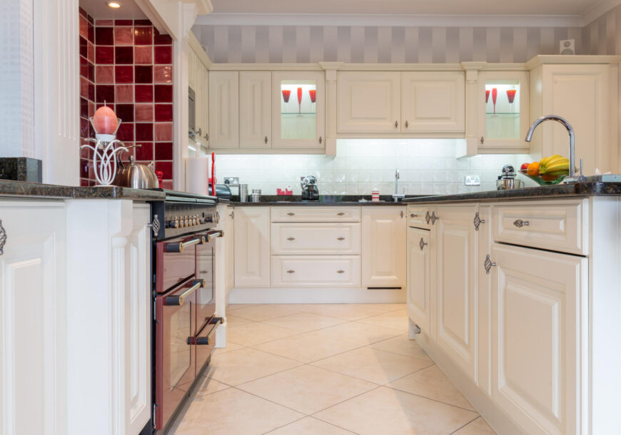 Approved Used Kitchen, Classic Raised & Fielded, Rangemaster Oven, Midlands