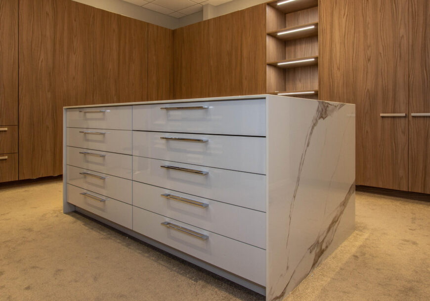 Ex Display Cabinetry, Warendorf (German) Gloss, South