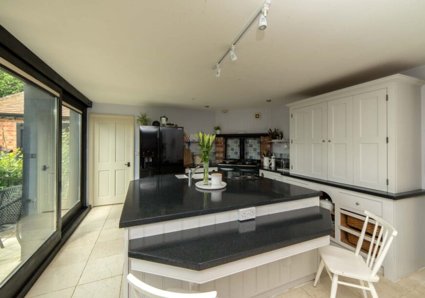 Approved Used Kitchen, Painted In Frame, Northamptonshire