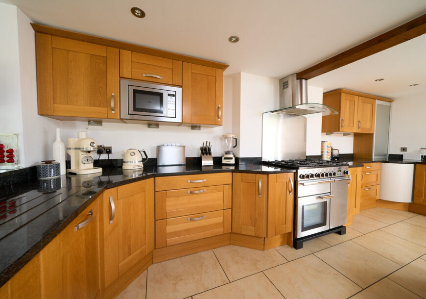 Approved Used Kitchen, Large Shaker, Rangemaster Oven, Cheshire