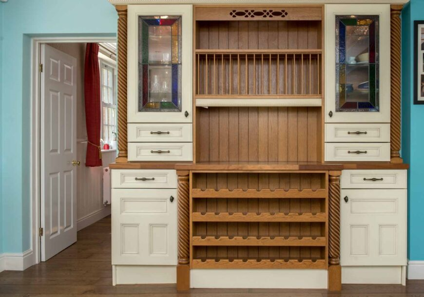 Approved Used Kitchen, Very Large Classic, Dresser, Northamptonshire