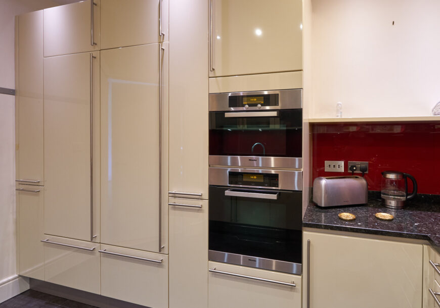 Approved Used Kitchen, Hacker (German) Modern, Mie...