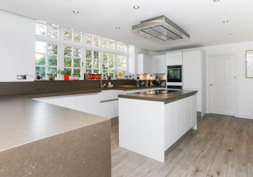 Approved Used Kitchen, Crown Imperial Handleless, Surrey