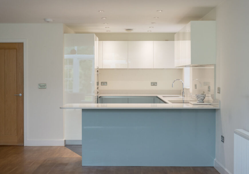 Approved Used Kitchen, Gloss Handleless, Siemens A...