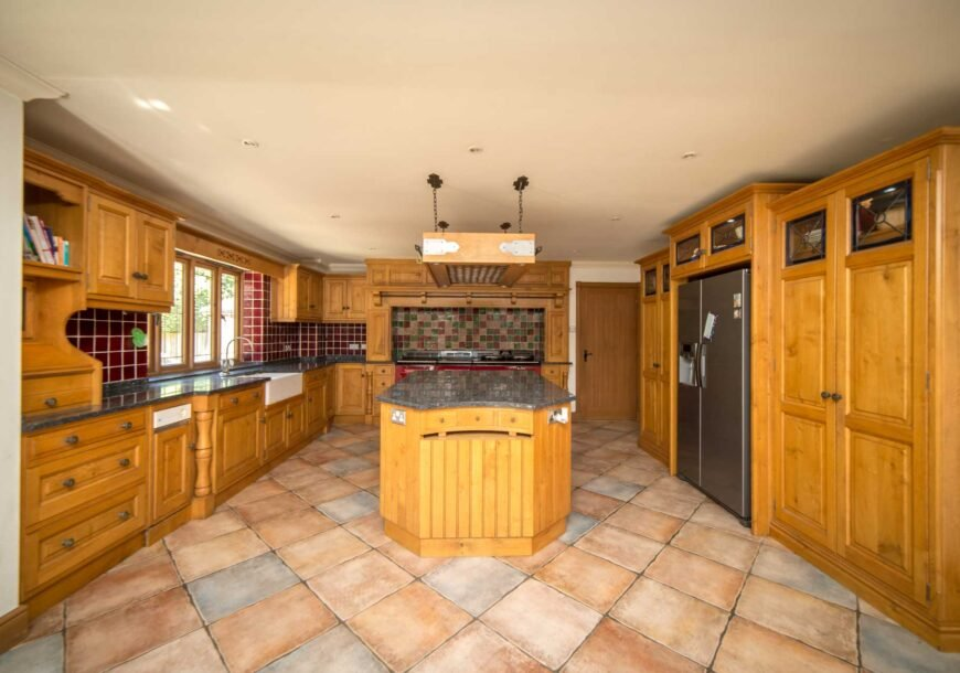 Approved Used Kitchen, Traditional In Frame Shaker...