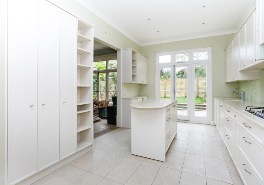 Approved Used Kitchen, Large Classic, Siemens Appliances, London