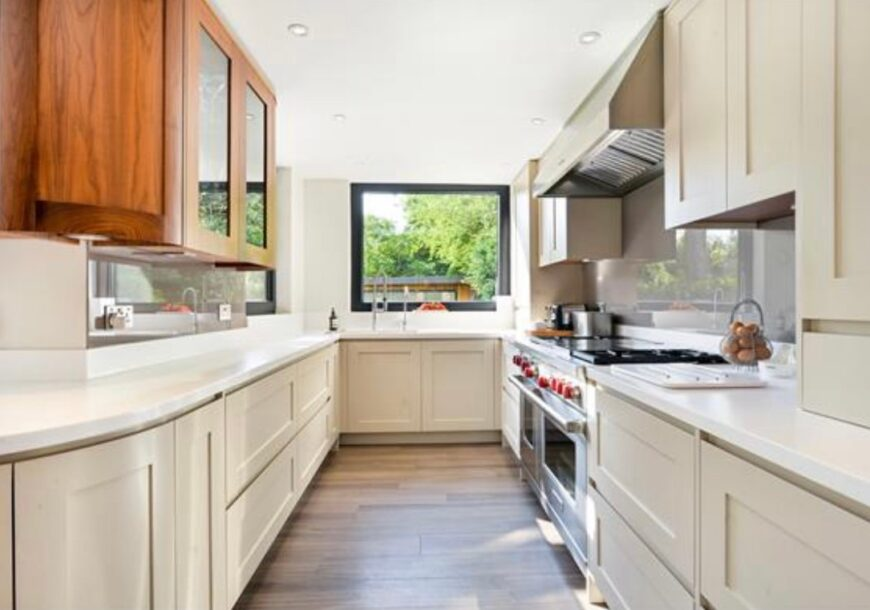 Approved Used Kitchen, Bespoke Prentice Handleless...