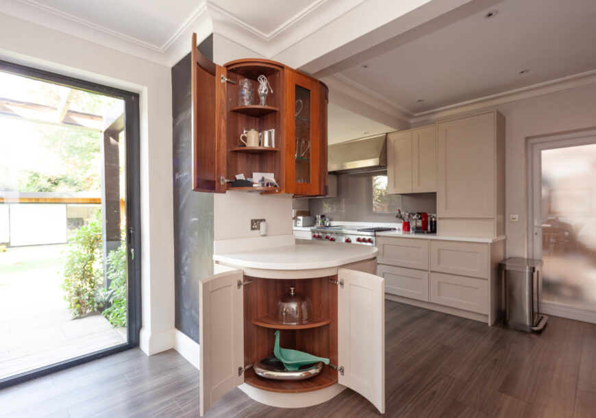 Approved Used Kitchen, Bespoke Prentice Handleless Shaker, Miele Appliances, London