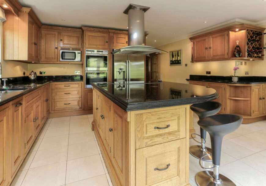 Approved Used Kitchen, Traditional In Frame Shaker, Essex