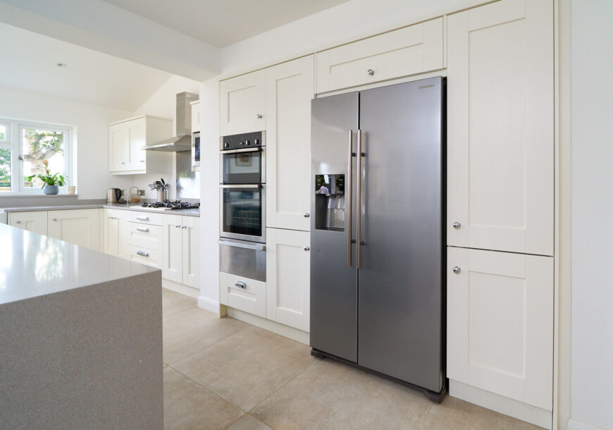 Approved Used Kitchen, Very Large Shaker, Cheshire...
