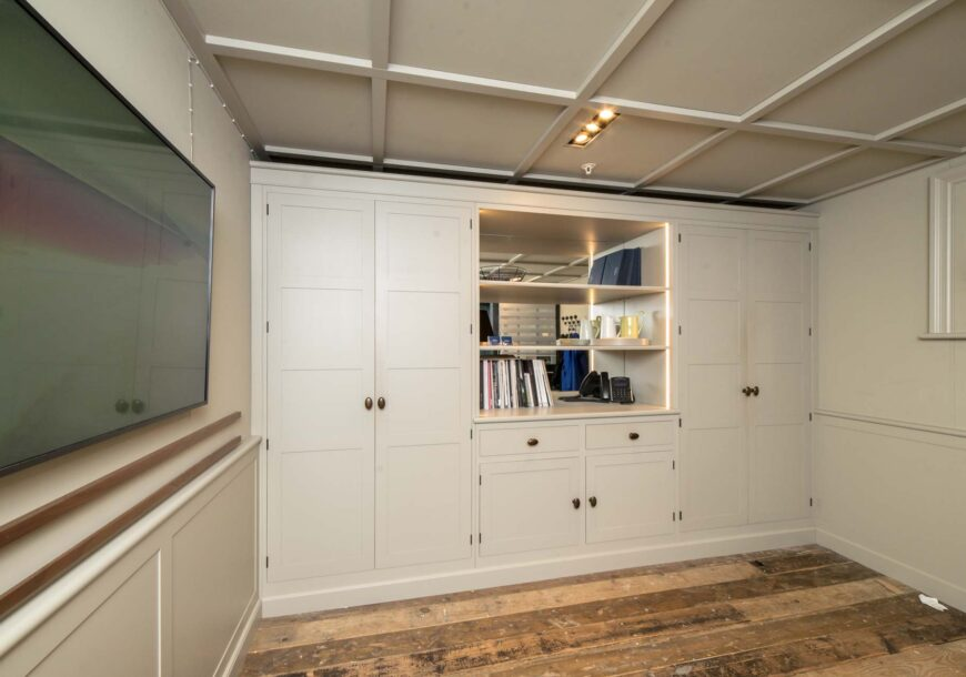 Ex Showroom Office Cabinetry, Brookmans by Smallbo...