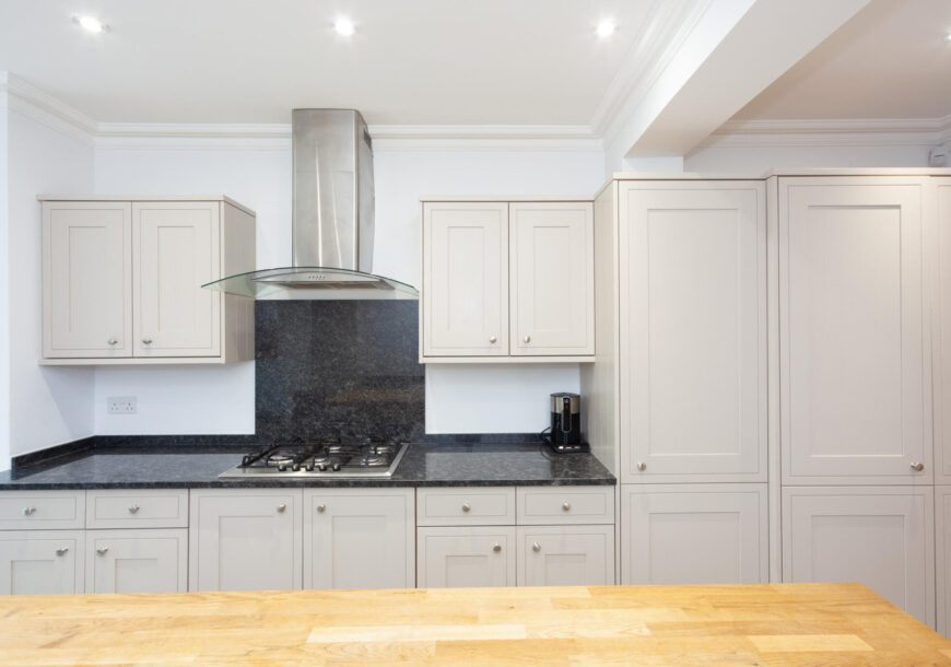 Approved Used Kitchen, Howdens Classic Shaker, Essex