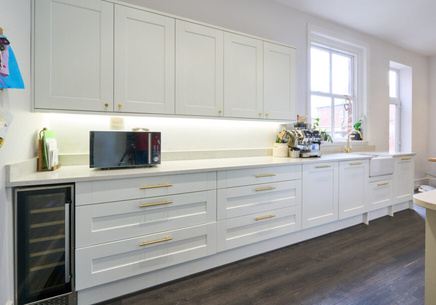 Price Pending Approved Used Kitchen, Large Howdens Shaker, Utility, Rangemaster Oven, County Durham
