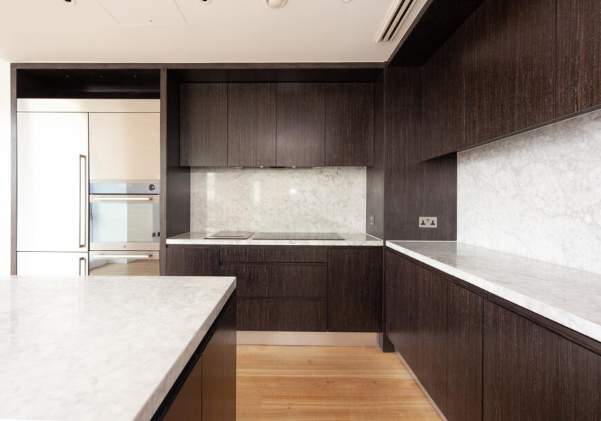 Approved Used Kitchen, Contemporary Handleless, Ex...