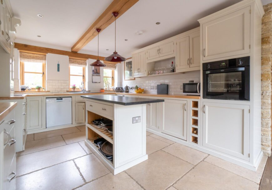 Approved Used Kitchen, Painted Pine In frame, Gloucestershire