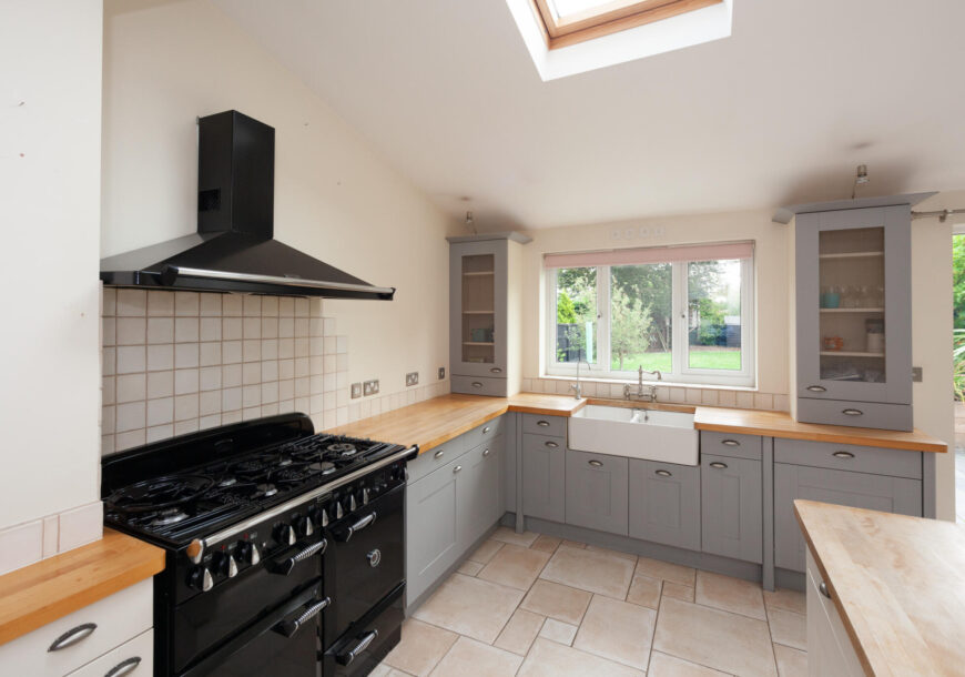 Approved Used Kitchen, Painted Shaker with Rangemaster Oven, Hertfordshire